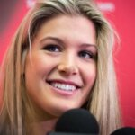 Bouchard-during-an-interview-img33173_668