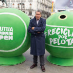 MADRID, SPAIN - MARCH 31:  Tennis player Manolo Santanta attends Ecovidrio giant recycling tennis balls presentation at Sol square on March 31, 2016 in Madrid, Spain.  (Photo by Eduardo Parra/Getty Images)