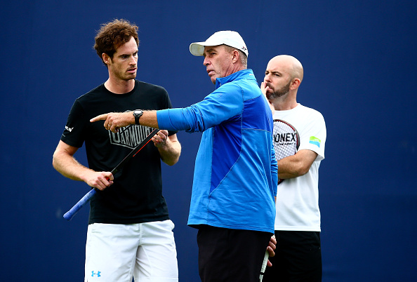 LONDON, ENGLAND - JUNE 14:  Andy Murray of Great Britain speaks with his coach Ivan Lendl and Jamie Delgado during day two of the Aegon Championships at The Queens Club on June 14, 2016 in London, England.  (Photo by Jordan Mansfield/Getty Images )