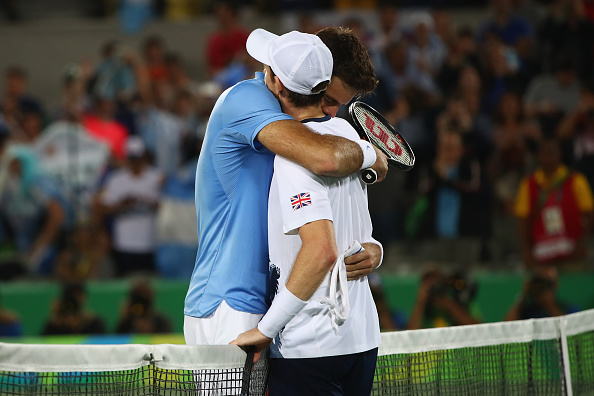 RIO DE JANEIRO, BRAZIL - AUGUST 14:  Juan Martin Del Potro of Argentina embraces Andy Murray of Great Britain following the men's singles gold medal match on Day 9 of the Rio 2016 Olympic Games at the Olympic Tennis Centre on August 14, 2016 in Rio de Janeiro, Brazil.  (Photo by Clive Brunskill/Getty Images)
