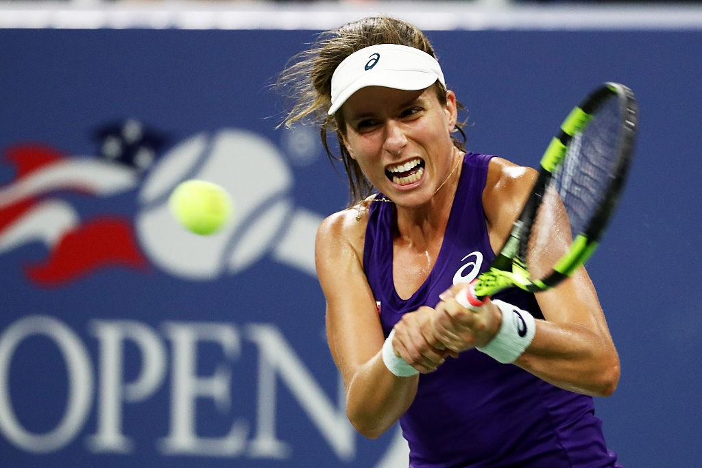 NEW YORK, NY - AUGUST 29:  Johanna Konta of the United Kingdom returns a shot to Bethanie Mattek-Sands of the United States during her first round Women's Singles match on Day One of the 2016 US Open at the USTA Billie Jean King National Tennis Center on August 29, 2016 in the Flushing neighborhood of the Queens borough of New York City.  (Photo by Al Bello/Getty Images)