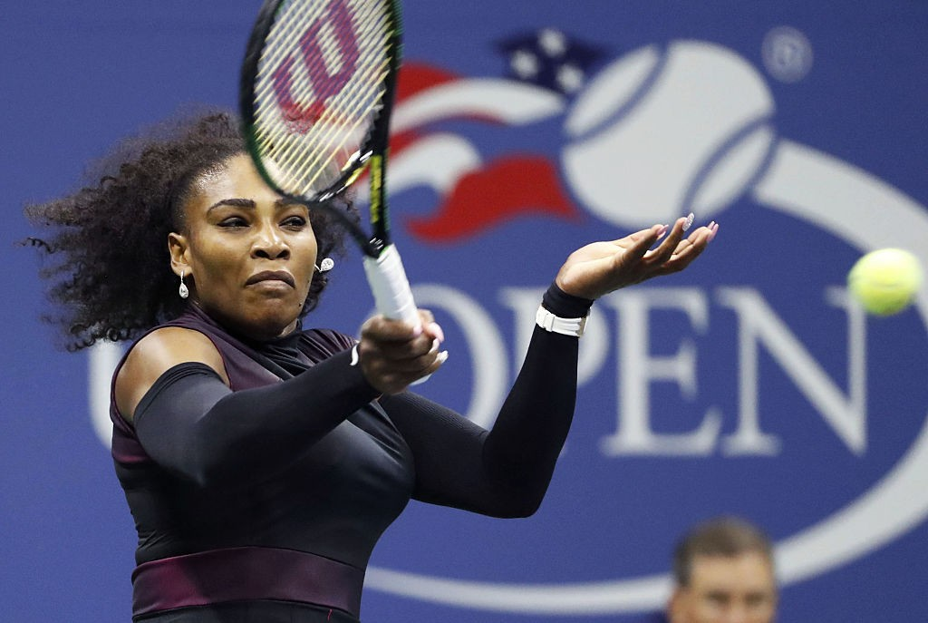 Serena Williams of the United States returns a forehand to compatriot Vania King in the second round of the U.S. Open tennis tournament in New York on Sept. 1, 2016. Williams won 6-3, 6-3. (Photo by Kyodo News via Getty Images)