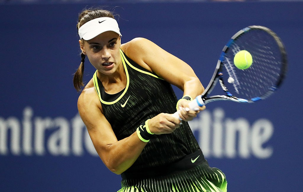 NEW YORK, NY - SEPTEMBER 05:  Ana Konjuh of Croatia returns a shot to Agnieszka Radwanska of Poland during her fourth round Women's Singles match on Day Eight of the 2016 US Open at the USTA Billie Jean King National Tennis Center on September 5, 2016 in the Flushing neighborhood of the Queens borough of New York City.  (Photo by Al Bello/Getty Images)