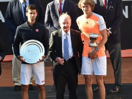 ROME, ITALY - MAY 21: Novak Djokovic of Serbia and Alexander Zverev of Germany poses with Rod Laverof Australia and the trophy after winning the ATP Singles Final match between Alexander Zverev of Germany and Novak Djokovic of Serbia during The Internazionali BNL d'Italia 2017 - Day Eight at Foro Italico on May 21, 2017 in Rome, Italy.  (Photo by Giuseppe Bellini/Getty Images)