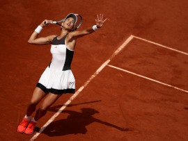 PARIS, FRANCE - MAY 29:  Garbine Muguruza of Spain serves during the first round match against Francesca Schiavone of Italy on day two of the 2017 French Open at Roland Garros on May 29, 2017 in Paris, France.  (Photo by Julian Finney/Getty Images)