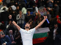 Grigor Dimitrov of Bulgaria celebrates to the crowd after his three set victory against Jack Sock of the United States in their semi final match at the Nitto ATP World Tour Finals at O2 Arena on November 18, 2017 in London, England.  (Photo by Alberto Pezzali/NurPhoto via Getty Images)