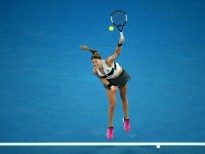 MELBOURNE, AUSTRALIA - JANUARY 22:  Petra Kvitova of the Czech Republic serves in her quarter final match against Ashleigh Barty of Australia during day nine of the 2019 Australian Open at Melbourne Park on January 22, 2019 in Melbourne, Australia.  (Photo by Julian Finney/Getty Images)