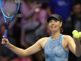 Maria Sharapova thanks supporters during the St. Petersburg Ladies Trophy-2019 tennis tournament match in St.Petersburg, Russia (Photo by Igor Russak/NurPhoto via Getty Images)