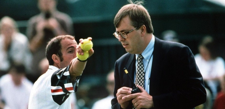 Mandatory Credit: Photo by Colorsport/REX Shutterstock (3137973a) Jeff Tarango (USA) argues with a Wimbledon official before storming off the court Wimbledon Tennis Championships 1995 1995 Wimbledon Tennis Championships Sport