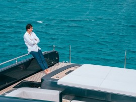 Rafael-Nadal-enjoys-on-his-new-80-foot-luxury-yacht-9