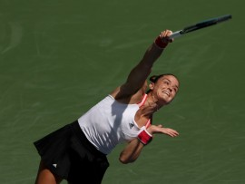 NEW YORK, NEW YORK - SEPTEMBER 07: Maria Sakkari of Greece serves the ball during her Women's Singles fourth round match against Serena Williams of the United States on Day Eight of the 2020 US Open at the USTA Billie Jean King National Tennis Center on September 7, 2020 in the Queens borough of New York City. (Photo by Al Bello/Getty Images)