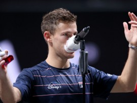 COLOGNE, GERMANY - OCTOBER 25: Diego Schwartzman of Argentina speaks on the podium after the final match between Alexander Zverev of Germany and Diego Schwartzman of Argentina of day seven of the Bett1Hulks Championship Tennis Tournament at Lanxess Arena on October 25, 2020 in Cologne, Germany.  (Photo by Christof Koepsel/Getty Images)